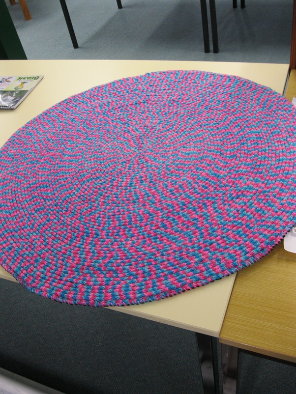 french knitting rug